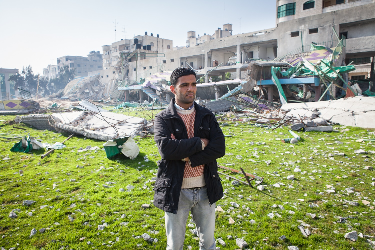 Sarsak visits Gaza stadium destroyed by Israel in Dec 2012