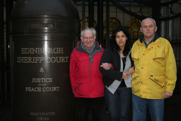 Hajo Meyer outside Edinburgh Sheriff Court with SPSC members Sofiah MacLeod and Mick Napier then on trial for 'racism' for solidarity with Palestine