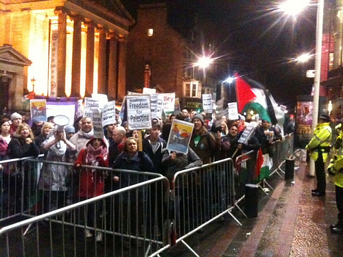 Protests outside and inside Batsheva performances in Edinburgh kick off their UK tour and UK-wide protests